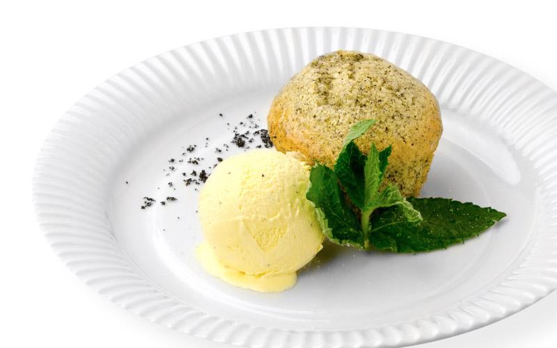 Marillen-Mohn-Muffins mit Vanilleeis