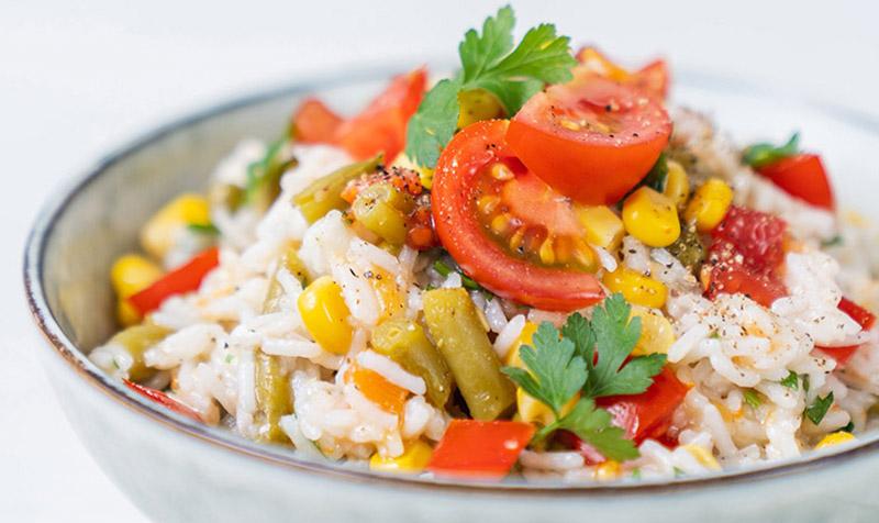 Reis-Salat mit Gemüse