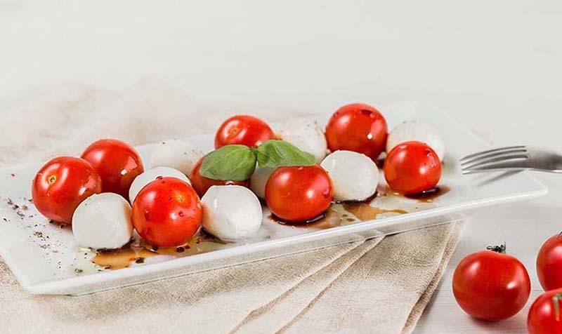 Tomaten-Mozzarella-Caprese