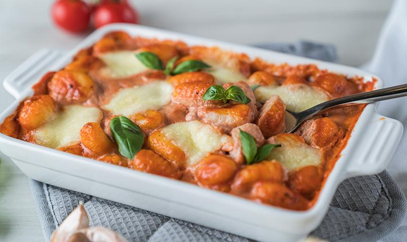 Gnocchi mit Tomaten und Mascarpone überbacken