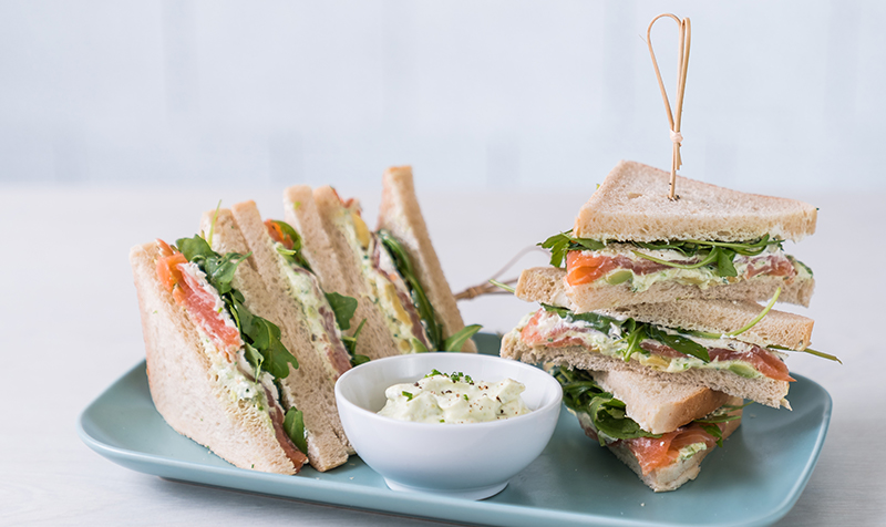 Lachs Avocado Sandwich
